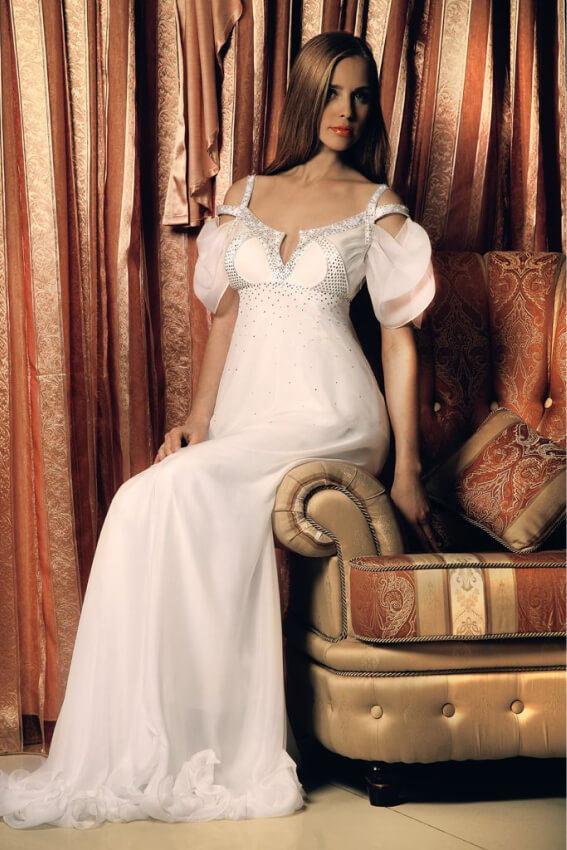 вечернее платье белый цвет сергей пугачёв дизайнер