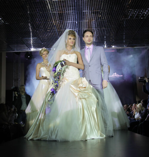 свадебное платье подиум сергей пугачёв