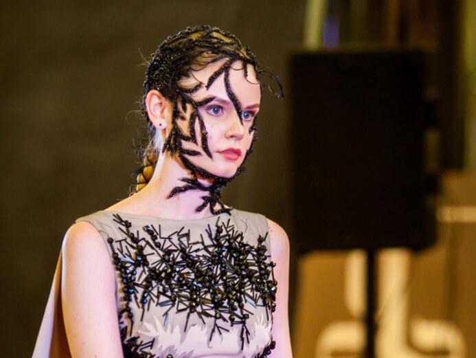 подиум модель платье сергей пугачёв 4