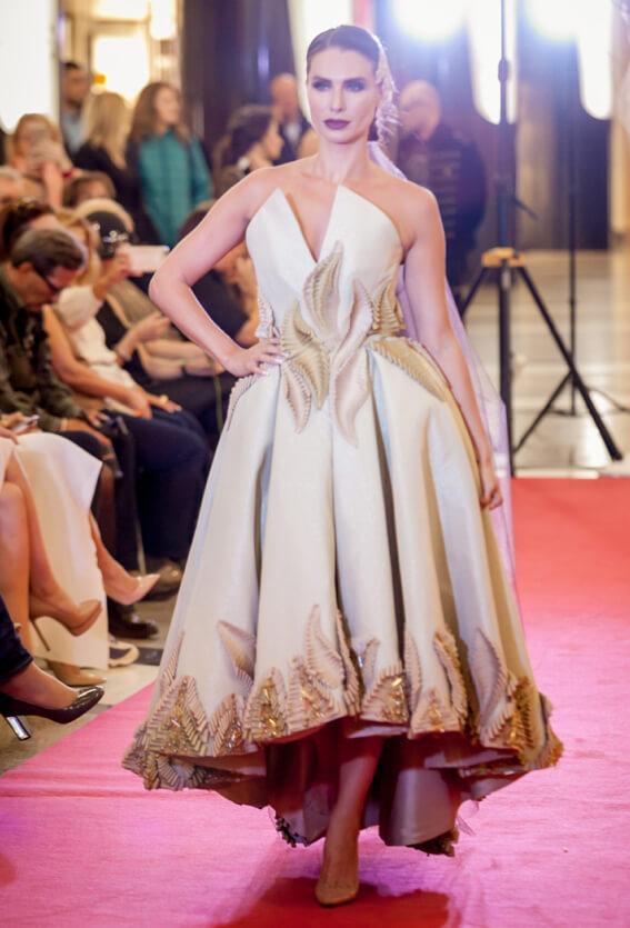 подиум модель платье сергей пугачёв